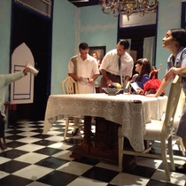 Photographs of a rehearsal for the theatrical production, Contigo, pan y cebolla