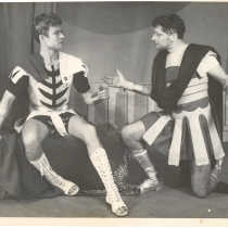 "Scene from the production, ""La zorra y las uvas"""