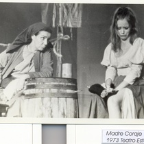 Scene of the production, Madre Coraje