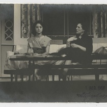 "Photographs of the production, ""Escápate, Isabel"""
