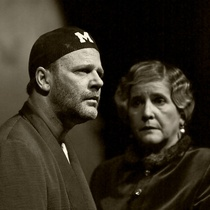 Photographs of rehearsal for the theatrical production, Cartas de amor a Stalin