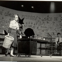 Micheline Calvert in the production, El saco de gamuza