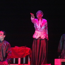 Photographs of the theatrical production, Historia sobre el camino