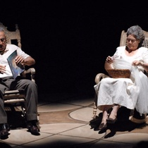 Photographs of the theatrical production, Aire frío (Miami, 2009)