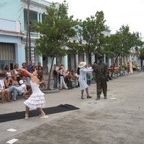 Photograph of a street production, Velas Teatro