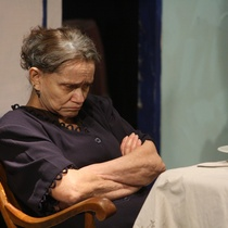 "Photographs of the Production, ""Contigo pan y cebolla"" (Akuara Teatro)"