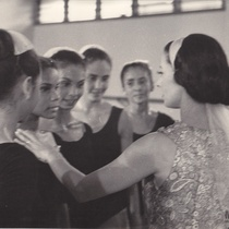 Alicia Alonso, Caridad Martínez, Morayma Martínez in a dance class at the Escuela Elemental de Ballet Alejo Carpentier