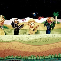 "Photograph of Rubén Darío Salazar, Fara Madrigal, Freddy Maragotto and Migdalia Seguí in the production, ""Pelusín y los pájaros"""
