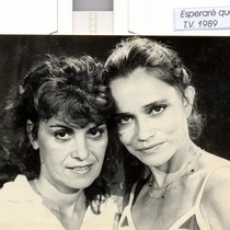 Mirtha Ibarra and Micheline Calvert in the television series, Esperaré que crezcas