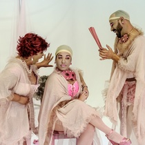"Photographs of a rehearsal for the production, ""Tres magníficas putas"""