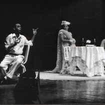 "Photograph of Déxter Cápiro (Pepe) and Arístides Naranjo (Virgilio) in the production, ""Si vas a comer, espera por Virgilio"""