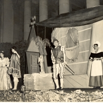 "Scene from the production, ""Sganarelle o El cornudo imaginario"""
