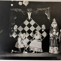 Photograph of the production, La infanta que quiso tener los ojos verdes