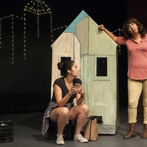 "Photographs of the production ""Casa Propia"""