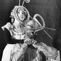 Photograph of the theatrical production, La Cucarachita Martina y el Ratoncito Pérez