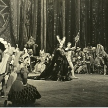 "Photograph of the ballet, ""El lago de los cisnes"""