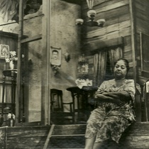 "Candita Quintana (Iluminada) in the production, ""El premio flaco"""