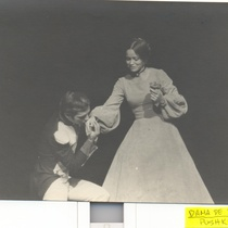 Micheline Calvert in the production, La dama de piqué