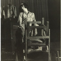 "Photograph of Myriam Acevedo in the production ""La noche de los asesinos"""