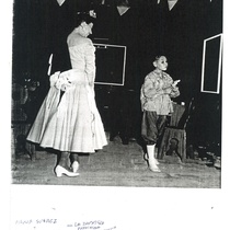 "Photograph of María Suárez in the producion ""La zapatera prodigiosa"" (Havana, 1954)"