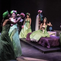 "Photograph of the Production, ""Las más lindas de la fiesta"""