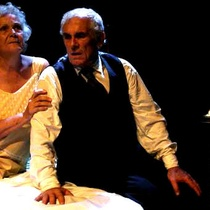 "Photograph of Pancho García (Willy Loman) and Amada Morado (Linda) in the production, ""La muerte de un viajante"""