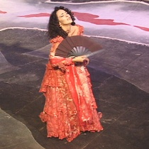 Photographs of the theatrical production, Parece Blanca