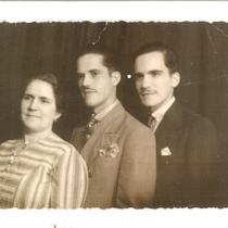 Photograph of Francisco Morín, his mother and his brother