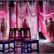 "Photograph of the Production, ""Tres magníficas putas"""