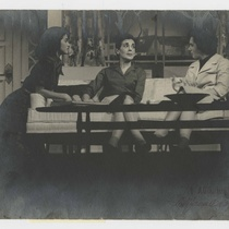 "Photograph of the production, ""Escápate, Isabel"""